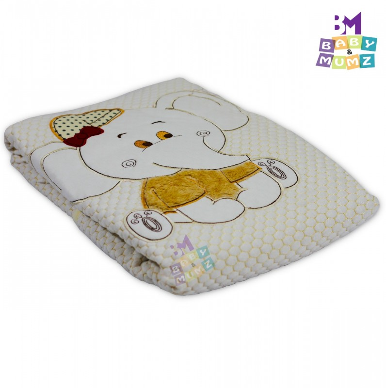 Children's jacquard blanket form an elephant composed of two layers that are warmer and more comfortable for the baby _ Light beige color.